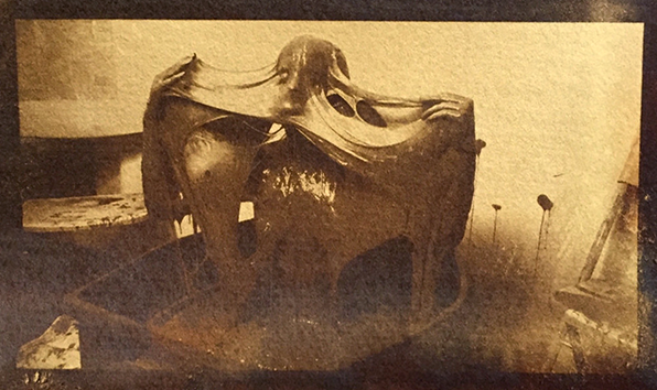 File:Women covered in ectoplasm.png