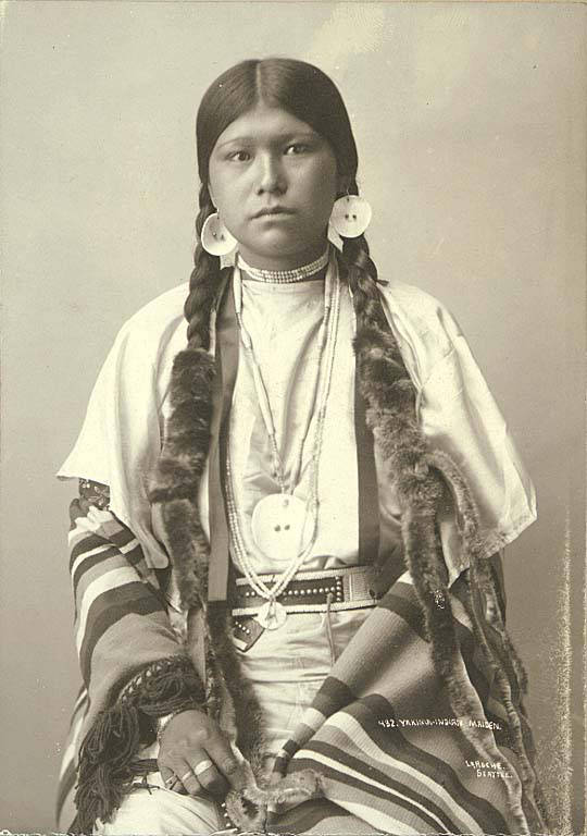 Fileyakama Indian Woman, Washington, Ca 1896 Laroche 18 -7904