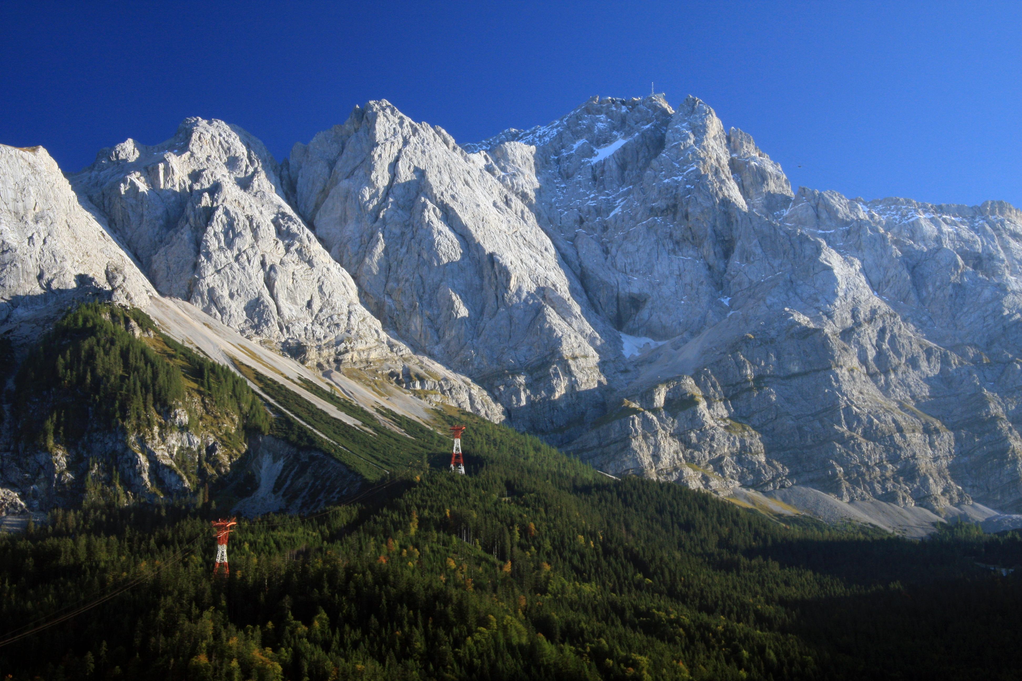 File:01 Zugspitze.JPG - Wikimedia Commons