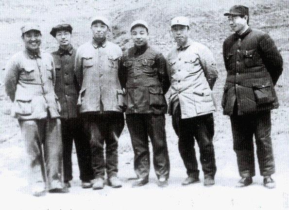 1946年中共西北-林一山、刘澜波、肖华、张学思、白坚、江华.jpg
