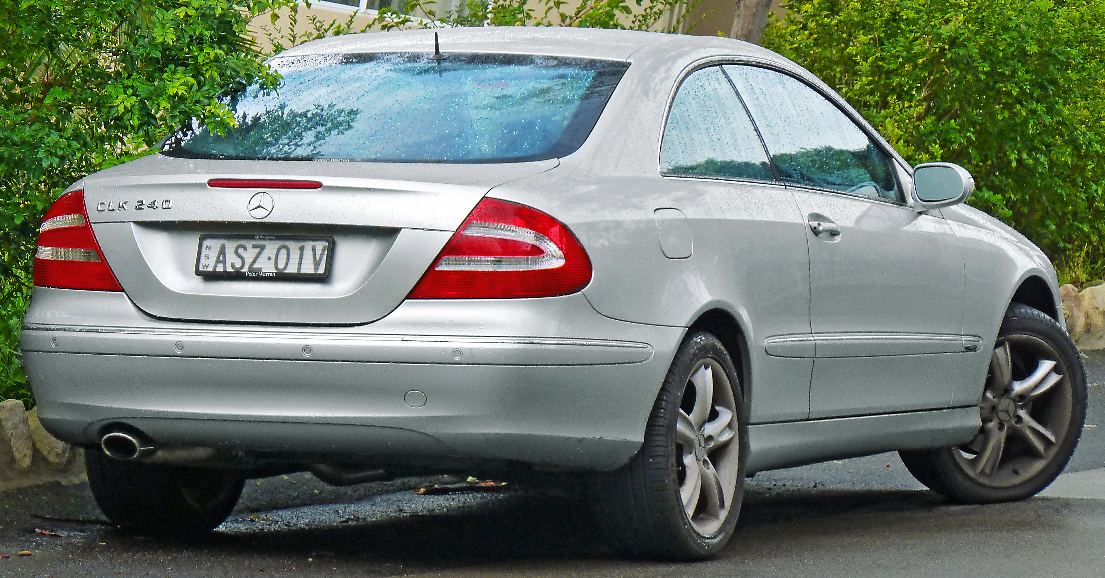 Image gallery 2005 mercedes coupe for Mercedes benz coupe 2005