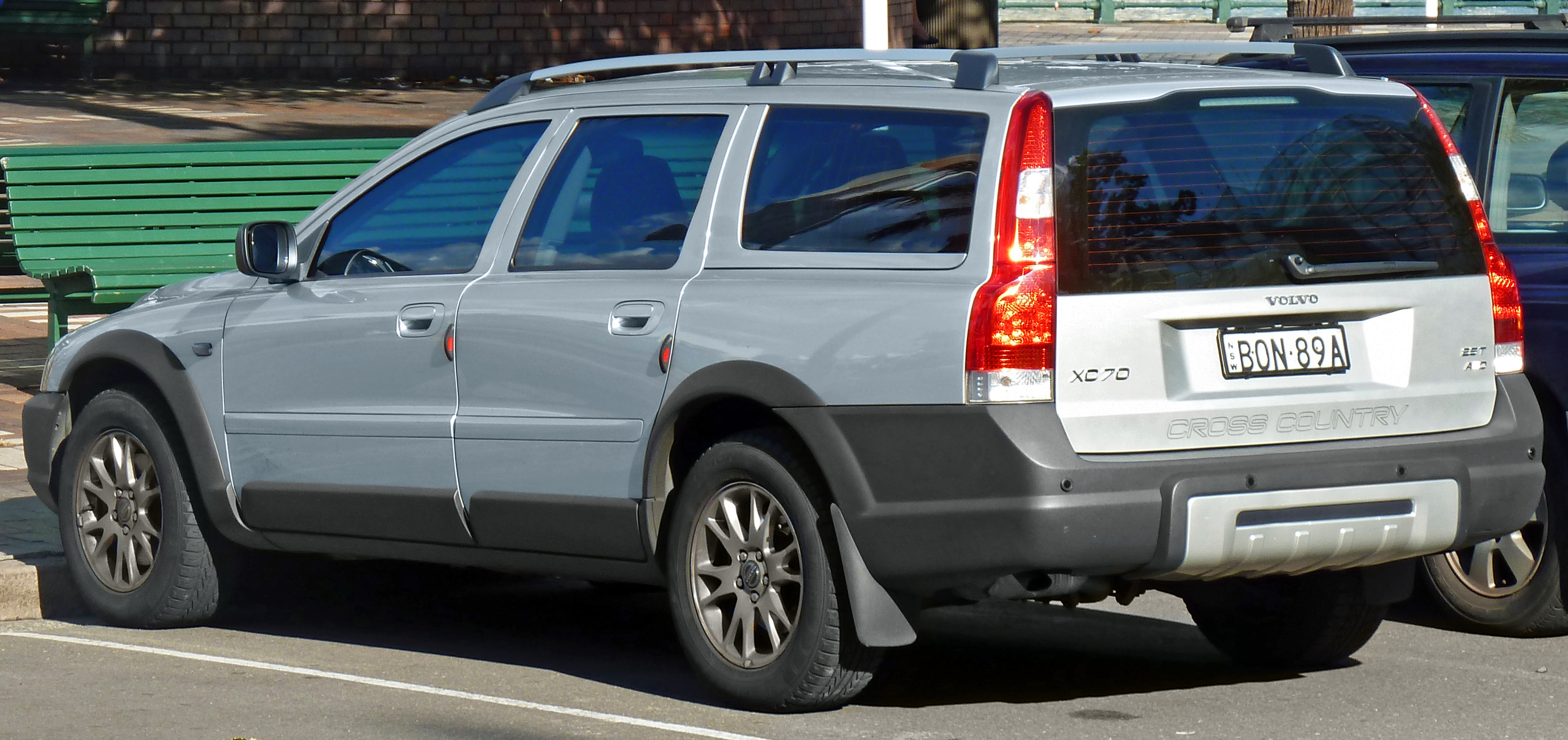 File 2004 2007 Volvo Xc70 Le Station Wagon 2011 03 23