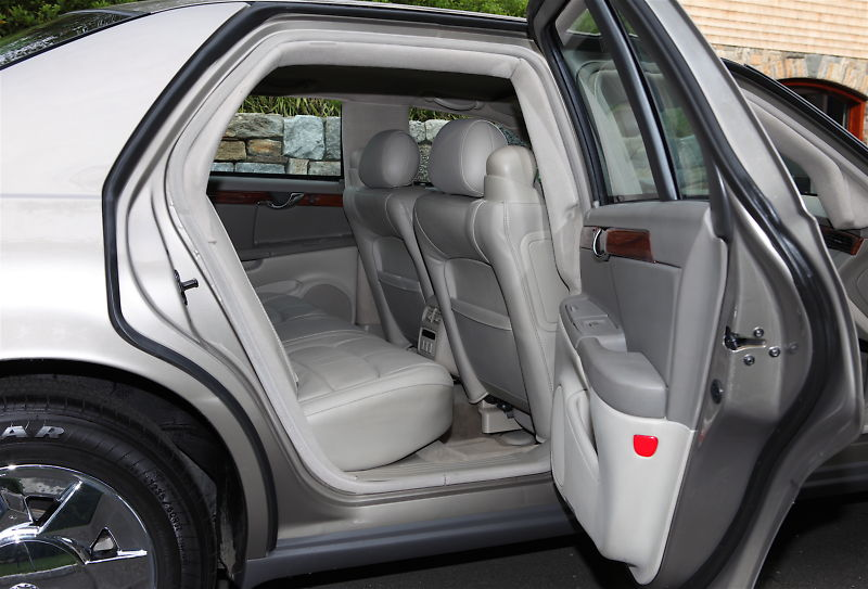File:2004 Cadillac Deville Armored Protection series (3).jpg ...