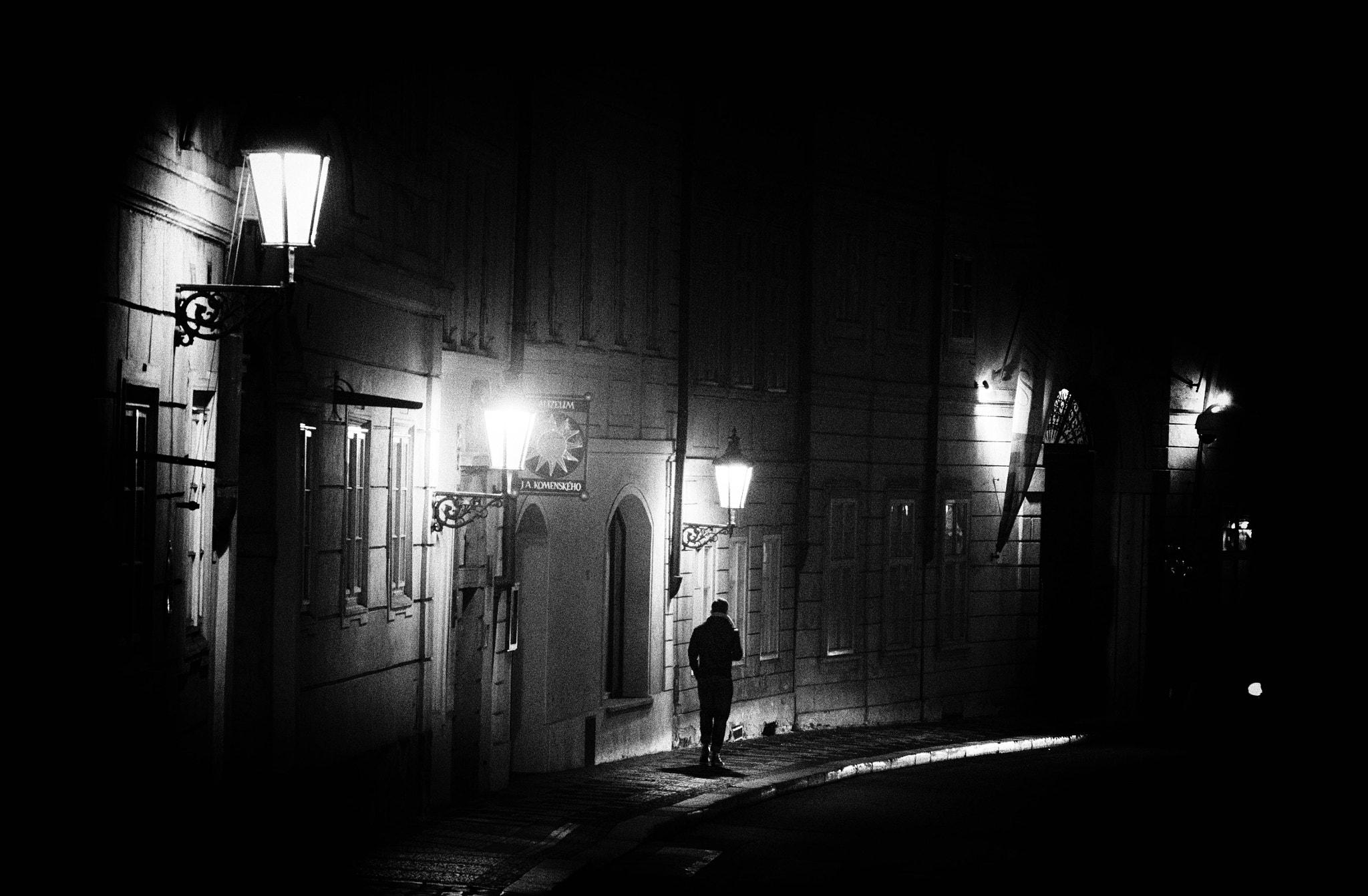 File:A Dark Street In Prague (157201501).jpeg - Wikimedia Commons