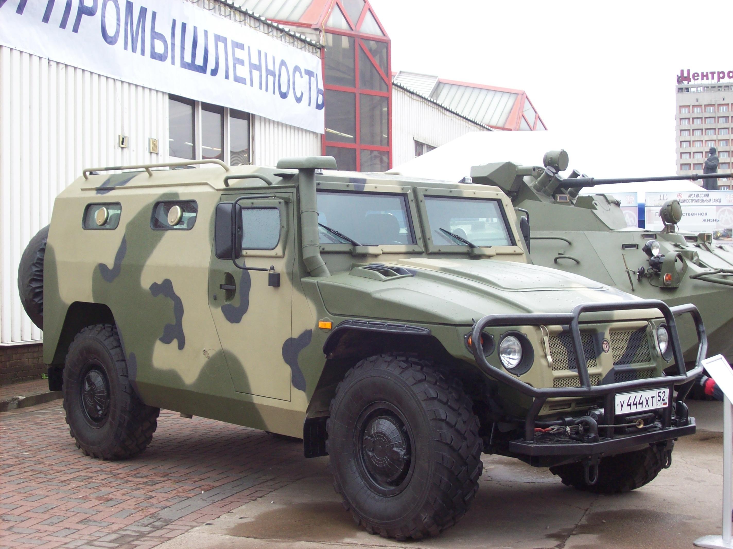 Russos querem produzir blindados no Brasil