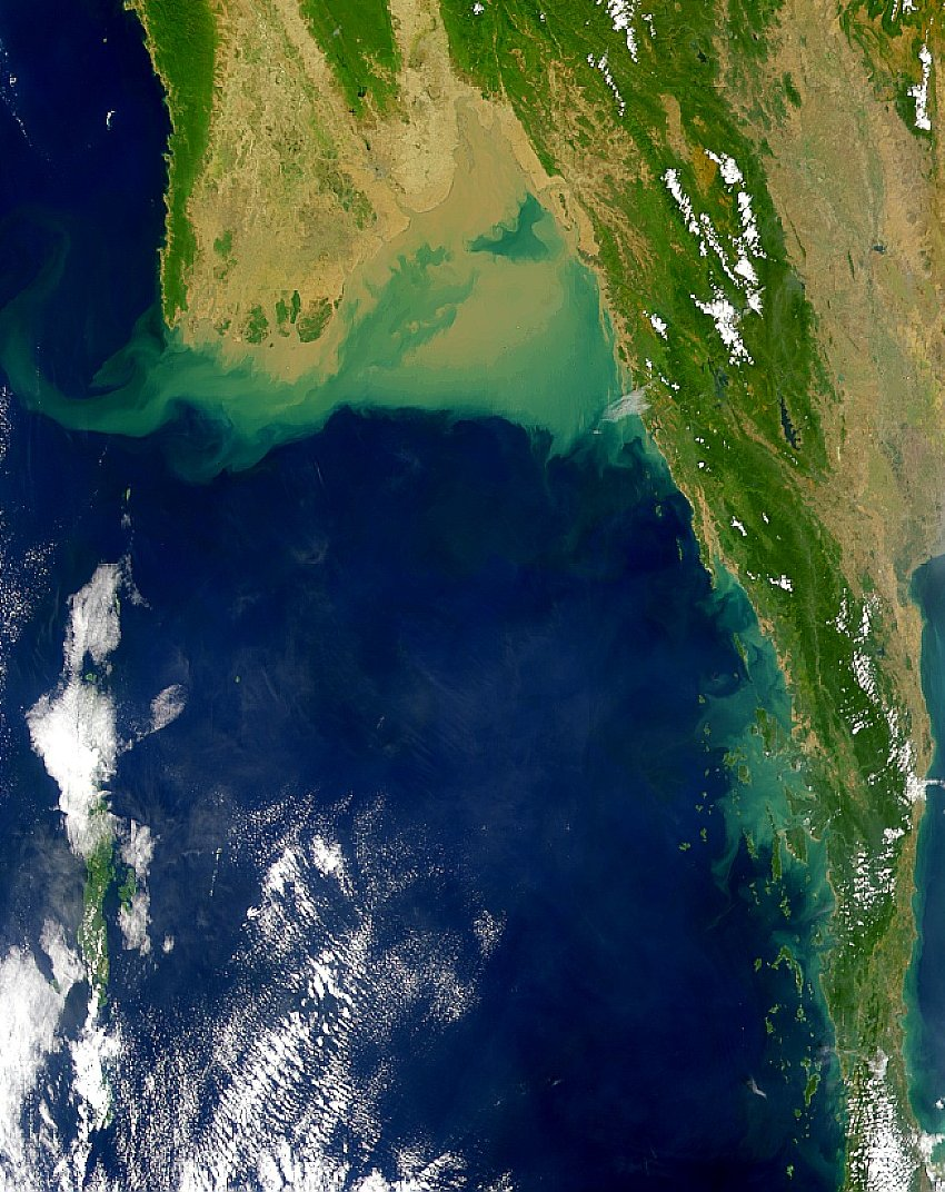http://upload.wikimedia.org/wikipedia/commons/e/e6/AndamanSeaNASA1.jpg