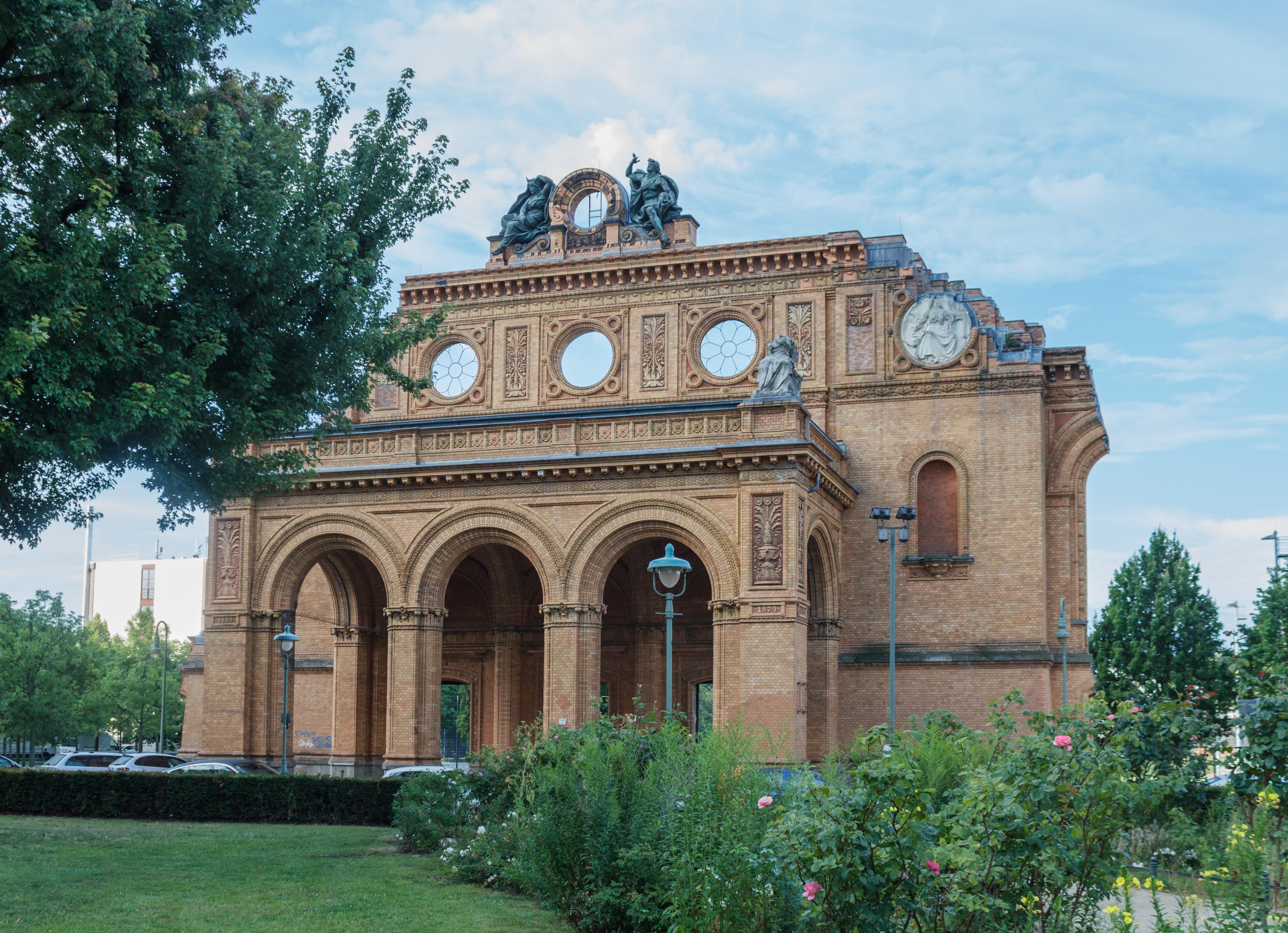 Anhalter_Bahnhof%2C_Berlin%2C_Germany%2C_2014-07-13-3369.jpg