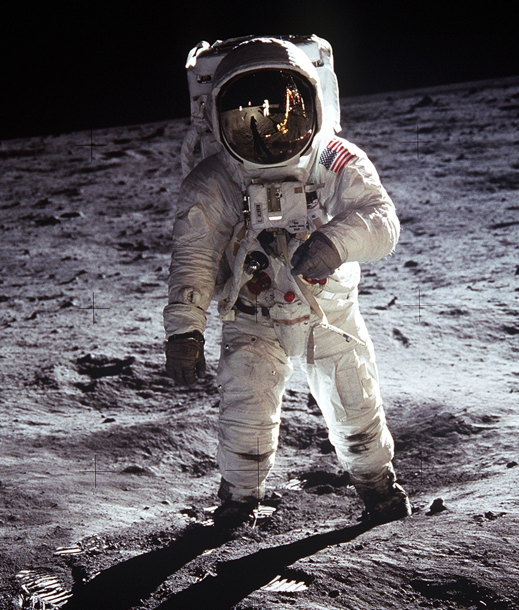 3422f0a9794908 Space suit - Wikipedia