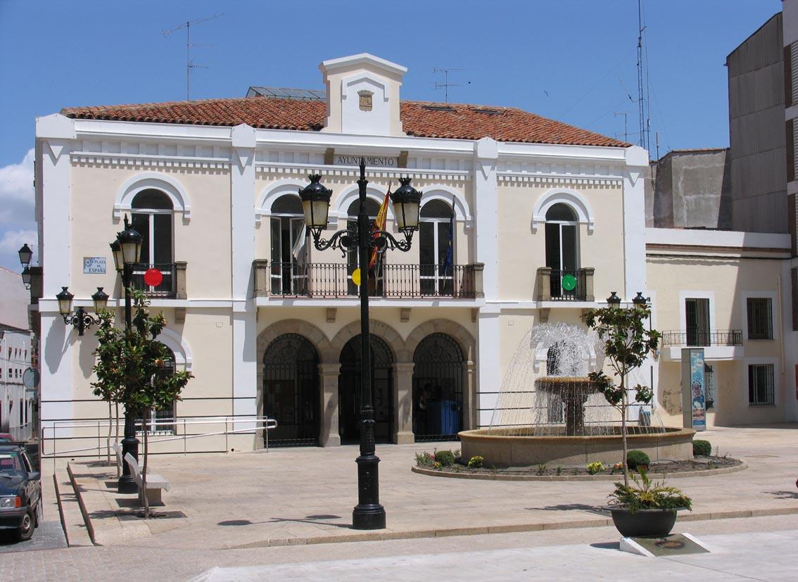 File ayuntamiento navalmoral de la wikimedia - Navalmoral de la sierra ...