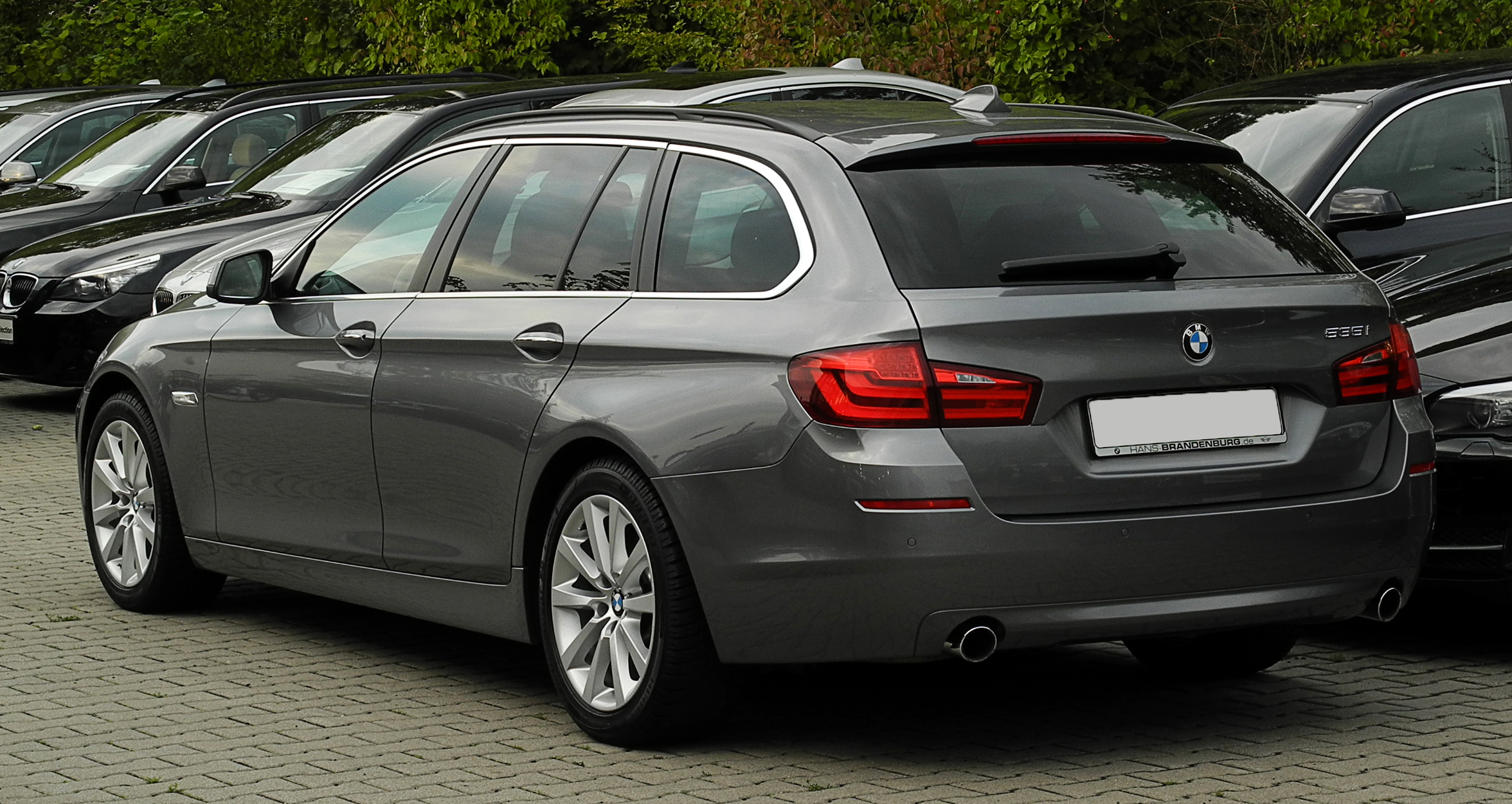 file bmw 535i touring f11 heckansicht 1 15 august. Black Bedroom Furniture Sets. Home Design Ideas