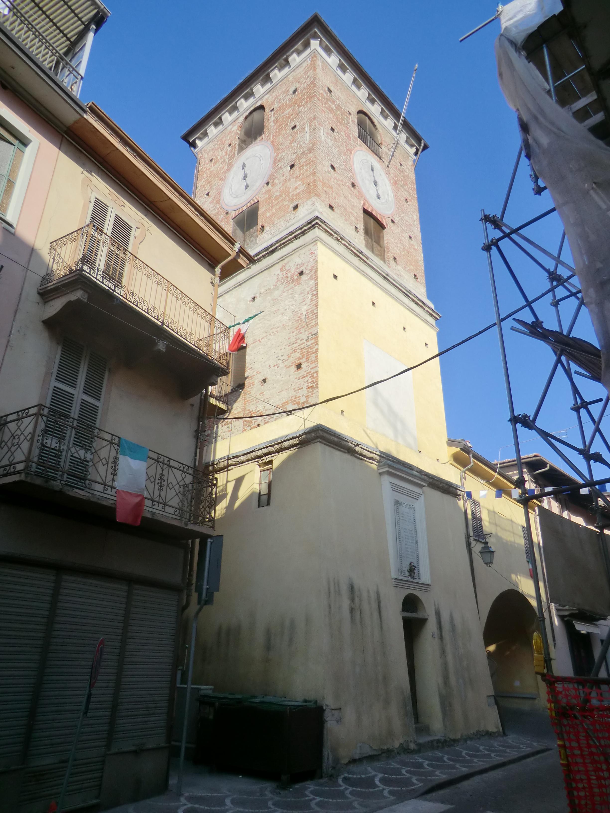 File borgo san dalmazzo torre wikimedia commons for Materassi borgo san dalmazzo