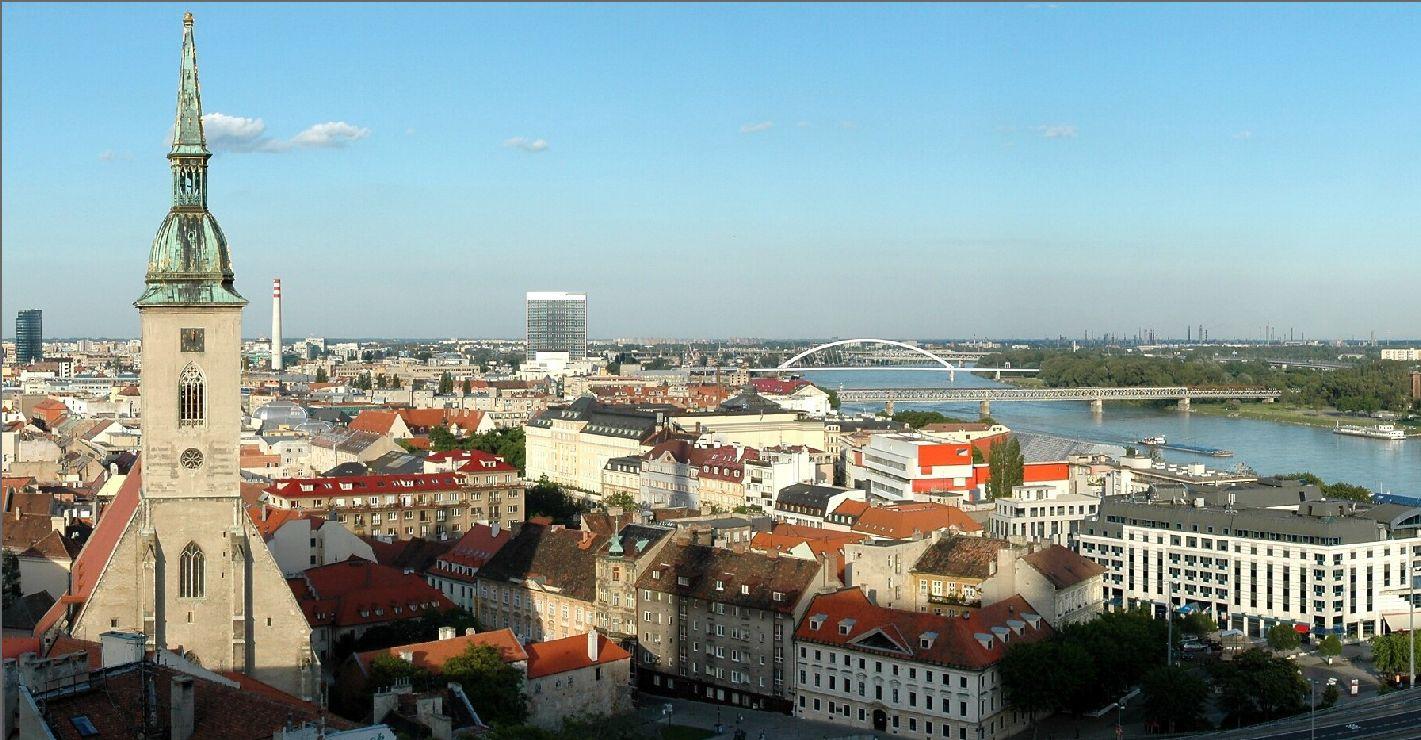 Description bratislava panorama 01 new jpg