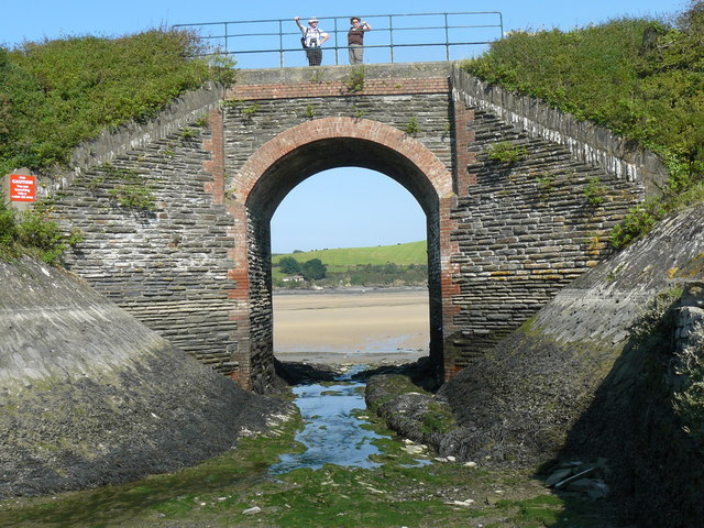 Bridge carrying the Camel Cycle over Oldtown Cove - geograph.org.uk - 1013232