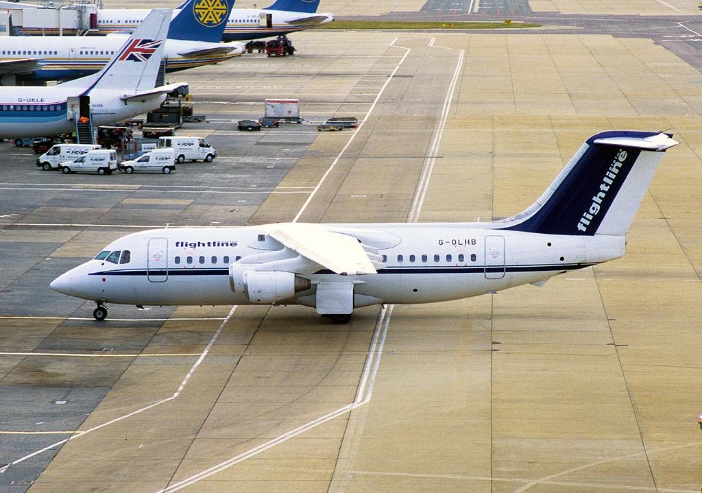 File:British Aerospace BAe-146-200, Flightline (Alpine Aviation) AN0069467.jpg - Wikimedia Commons