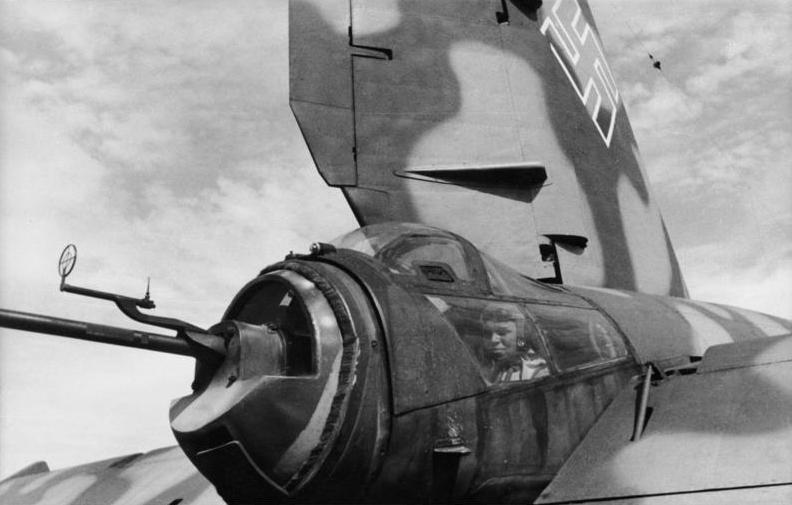Bundesarchiv Bild 101I-676-7972A-34, Flugzeug Heinkel He 177, Heckkanone