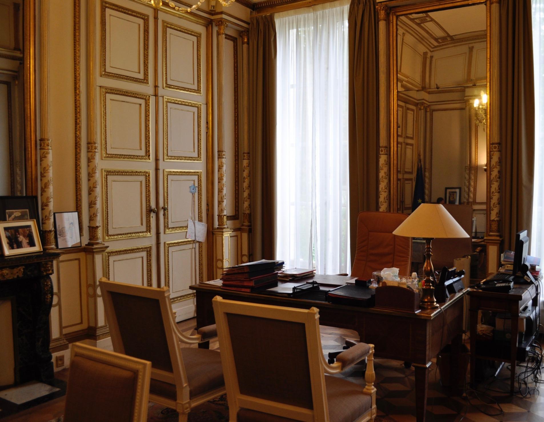 Fichier bureau du maire hôtel de villars paris e france g