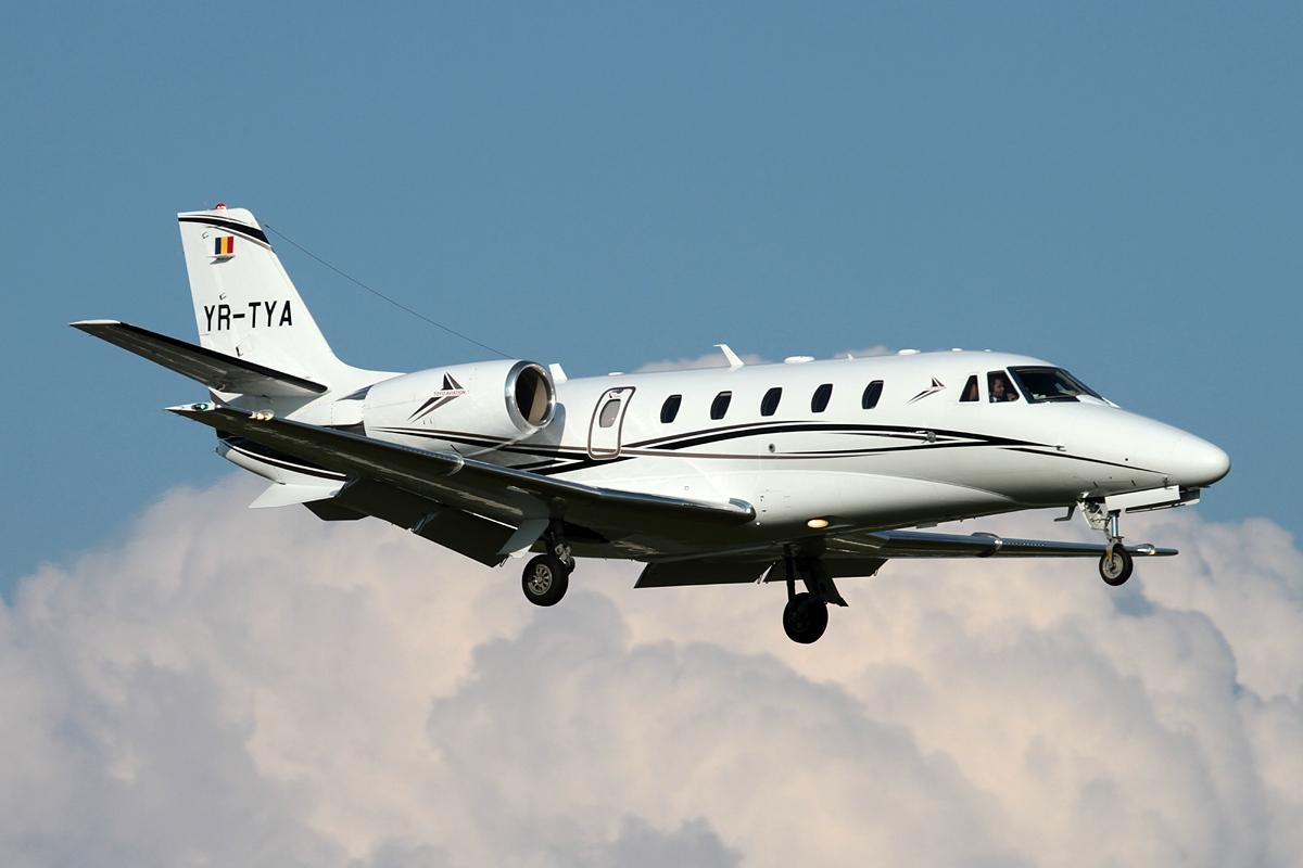 File:Cessna 560XL Citation XLS Plus, Toyo Aviation JP7660814.jpg ...