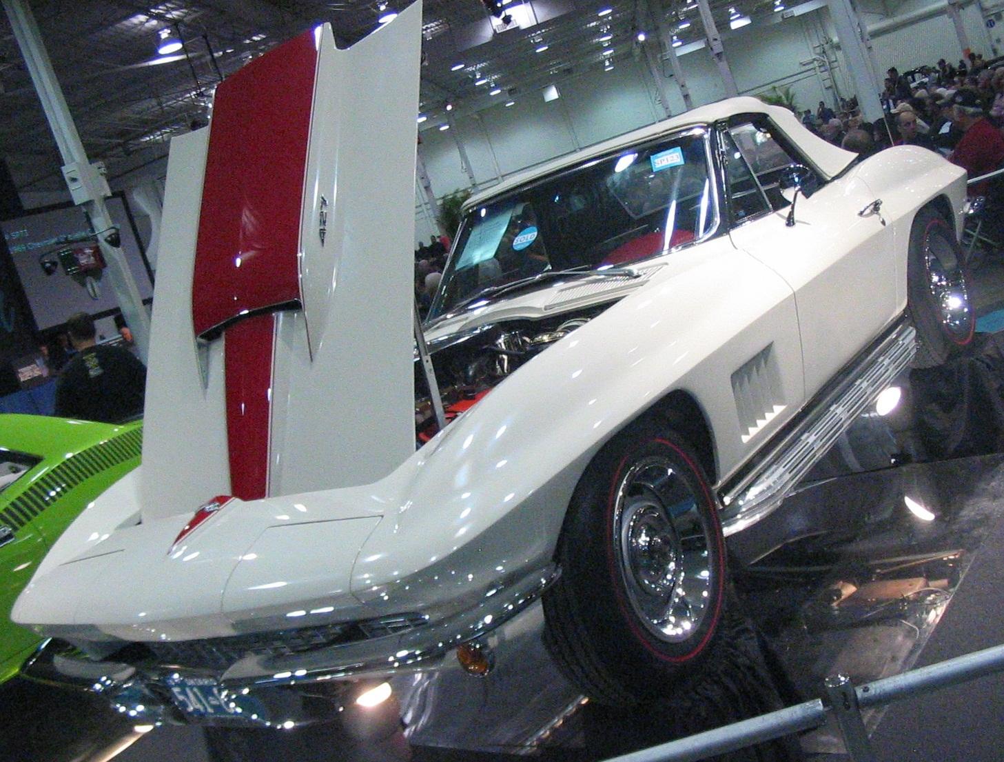 File:Chevrolet Corvette C2 Convertible (Toronto Spring \'12 Classic ...