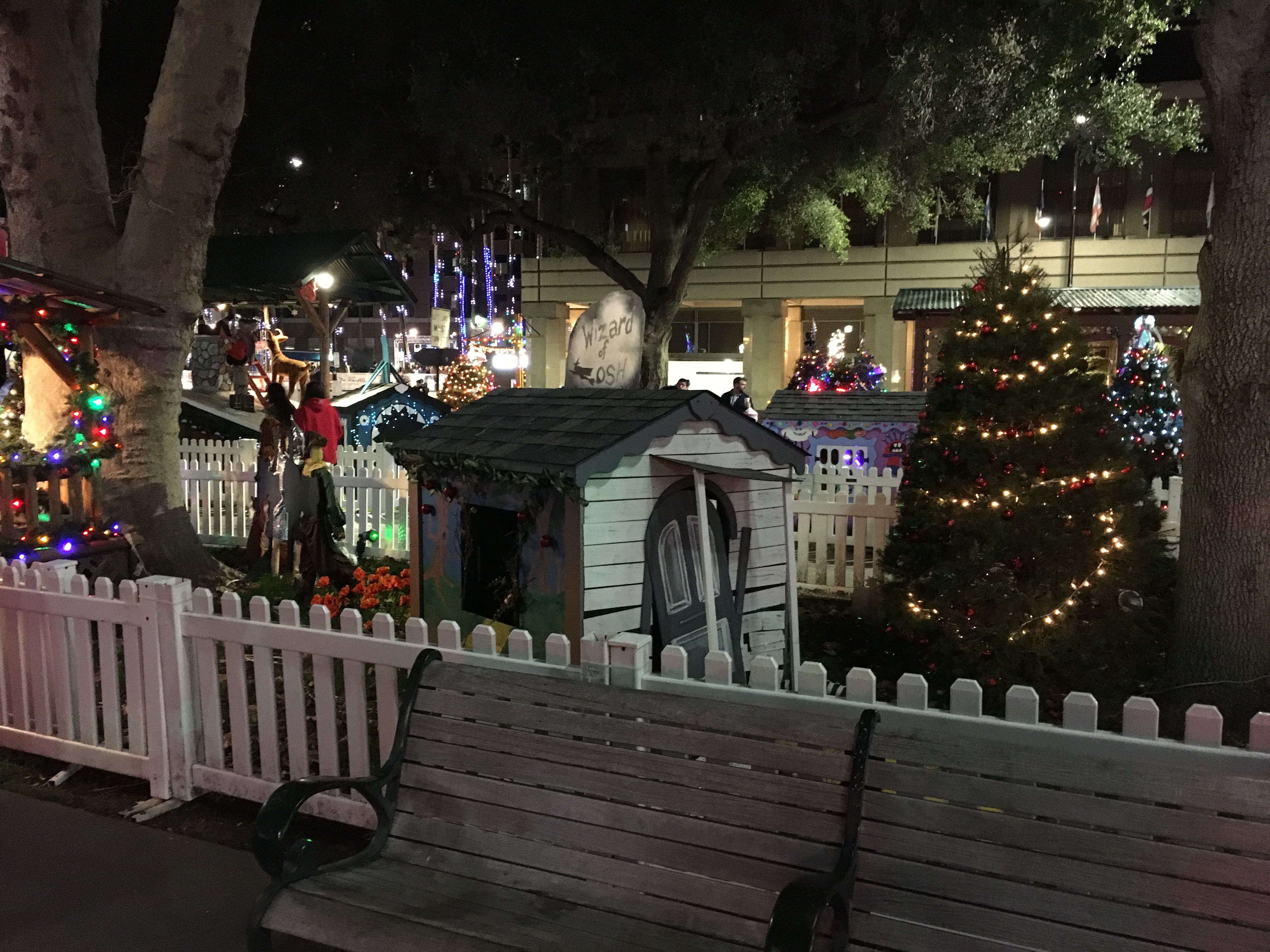 filechristmas in the park 14 2016 12 30jpg - When Does Christmas In The Park Open
