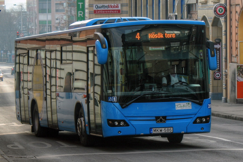 Citadell_bus_P%C3%A9cs_no._4.jpg
