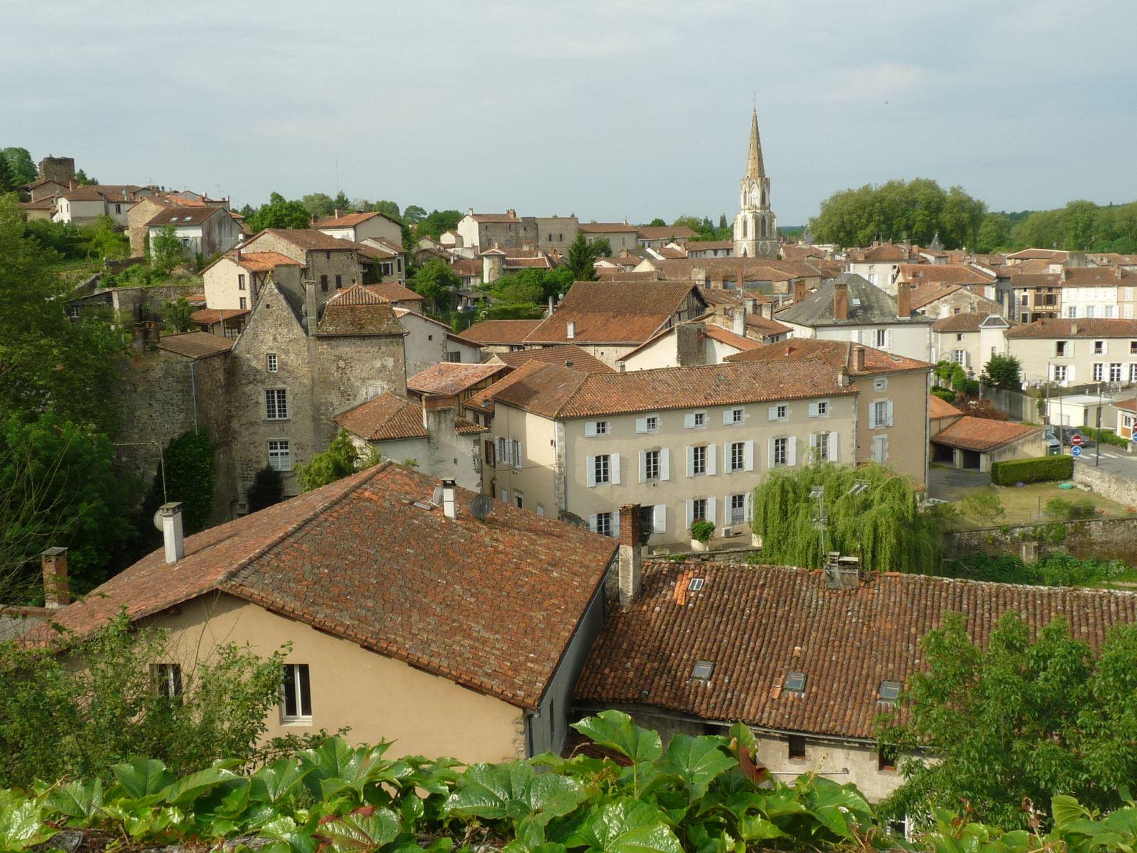 Vue de Confolens depuis Sainte-Catherine.