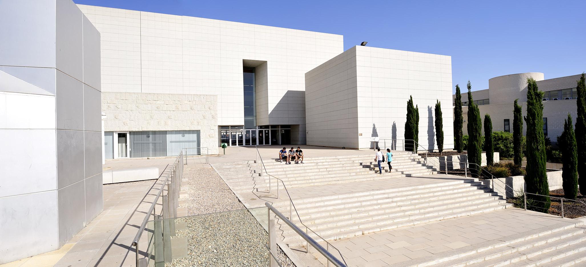 File escalera biblioteca general campus de - Escalera de biblioteca ...
