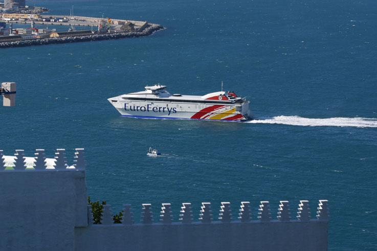 ملف:EuroFerrys en Ceuta.jpg