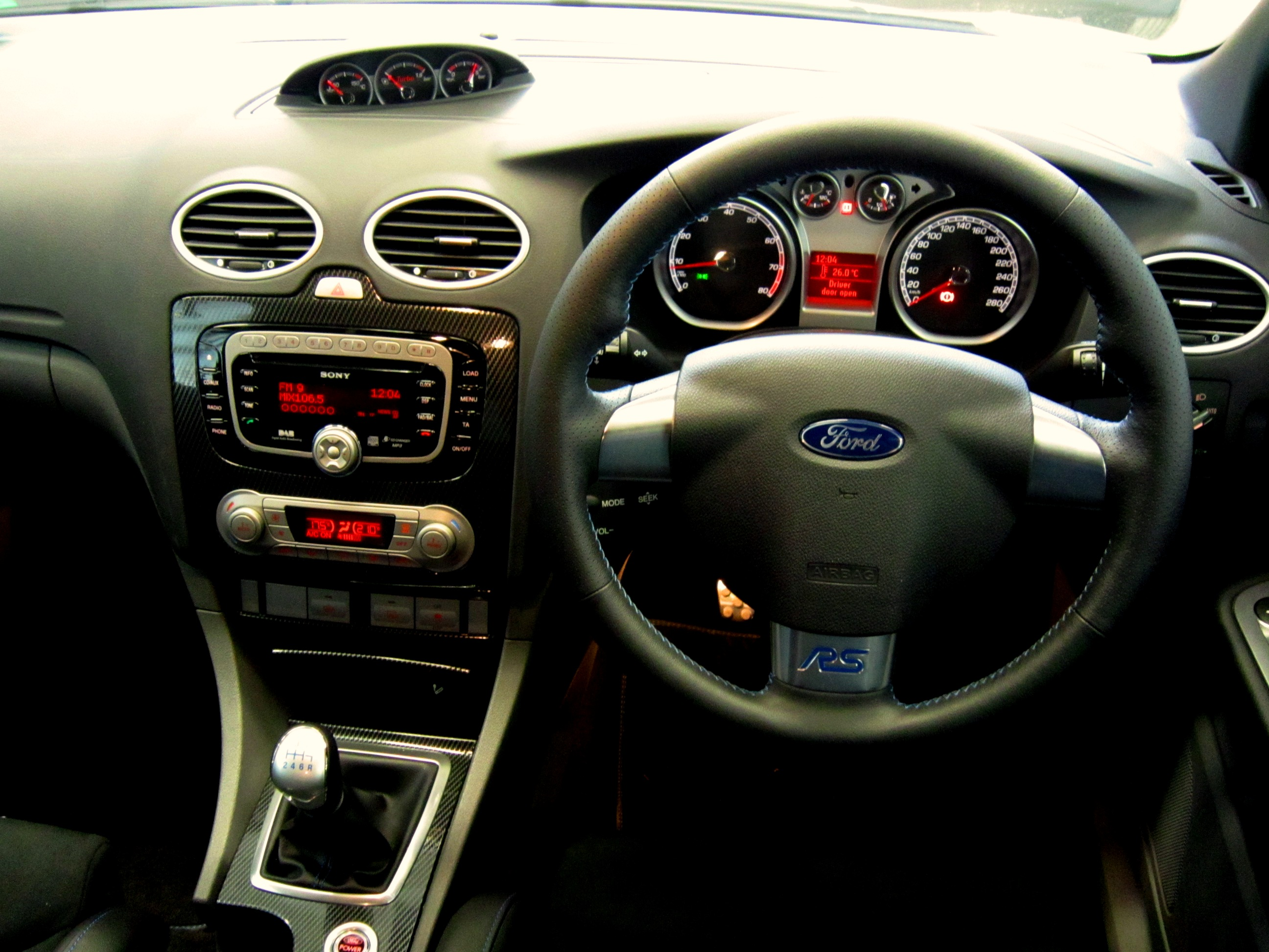 File Ford Focus Rs Nrma Drivers Seat Flickr Nrma New Cars 7 Jpg Wikimedia Commons