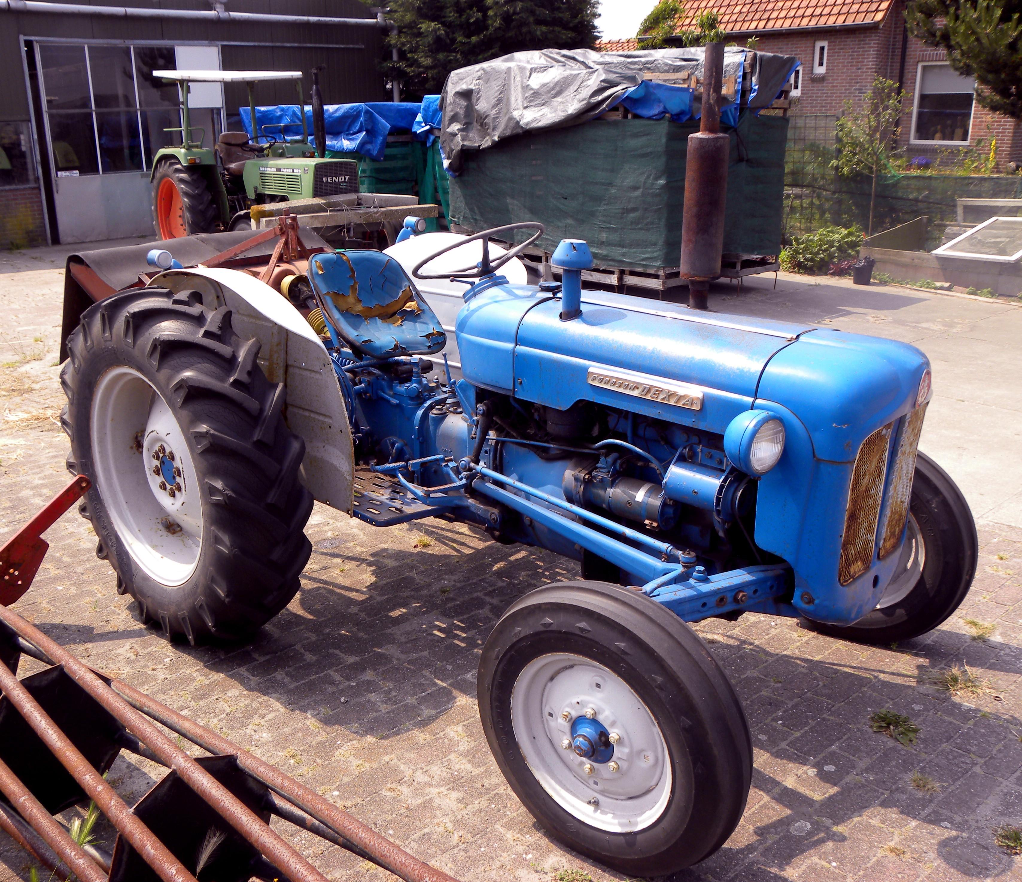 1961 Fordson Dexta Tractor : File fordson dexta g