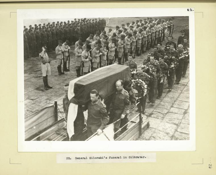 Αποτέλεσμα εικόνας για POLISH GENERAL SIKORSKY FUNERAL