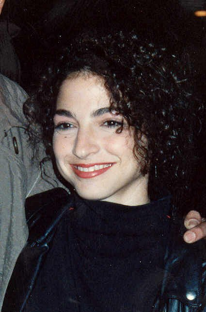 Gloria Estefan at the 1990 Grammy Awards cropped