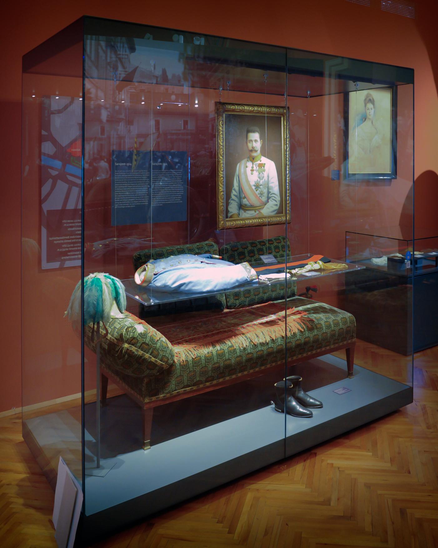 chaiselongue wikipedia File:HGM Chaiselongue Franz Ferdinand.jpg