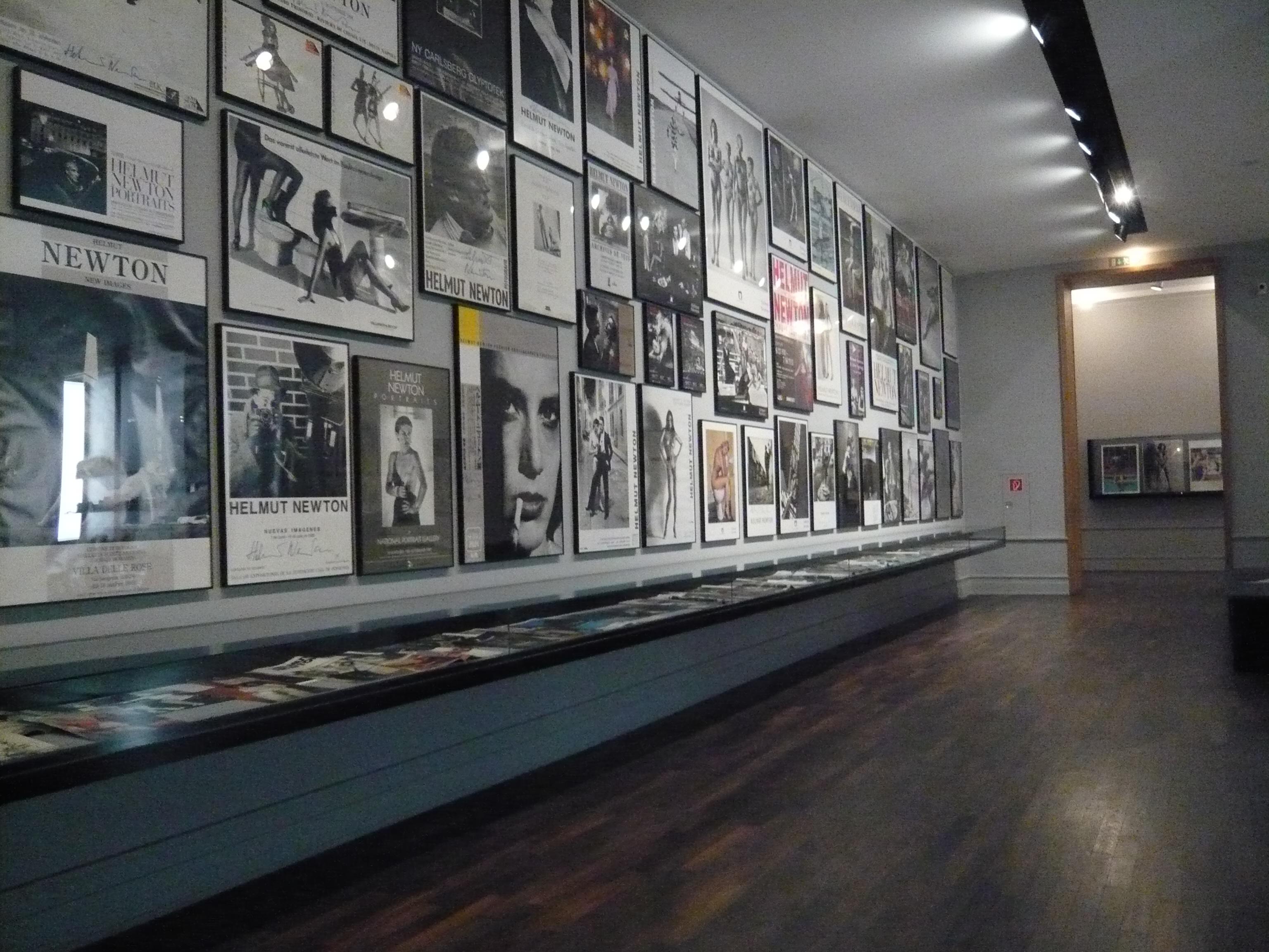 Museum fr fotografie helmut newton polaroids 47