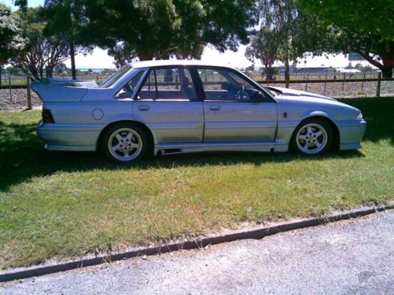 File:Holden Commodore SS Group A SV (1988 VL series) 01.jpg