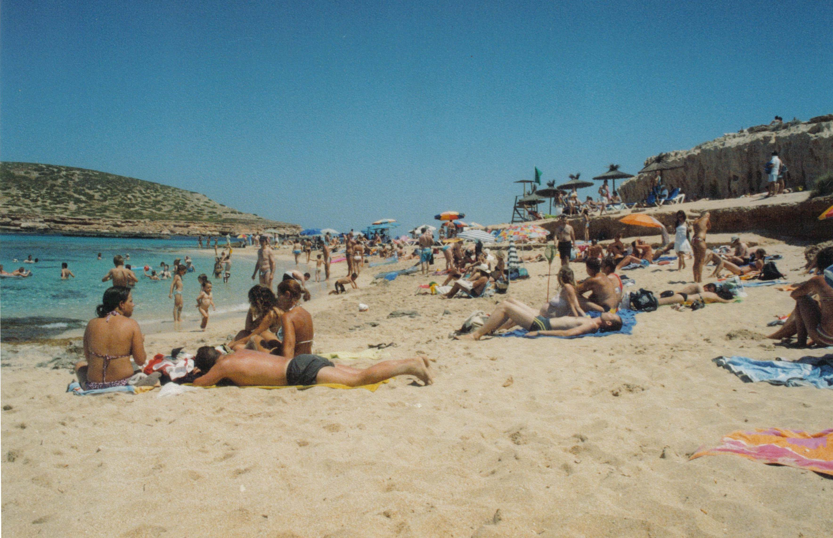 Description Ibiza Moli Beach Life