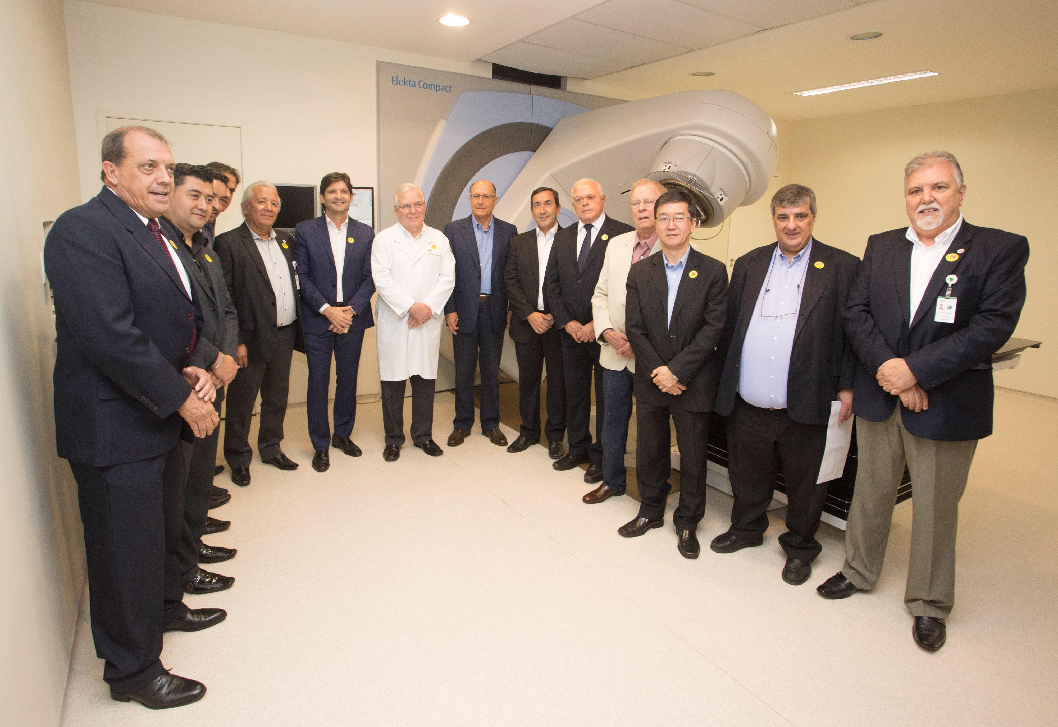 afe63787c File:Inauguração do Centro Oncológico no Hospital das Clínicas Luzia de Pinho  Melo em Mogi