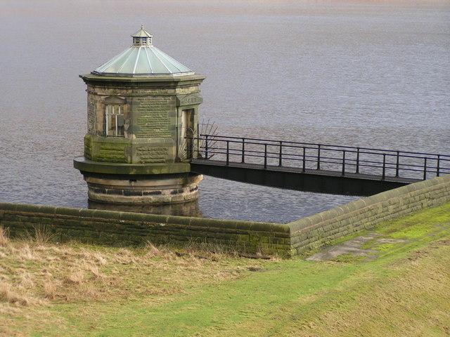 Intake, Kinder Reservoir - geograph.org.uk - 225921