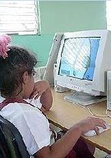 Internet en escuela de Cuba