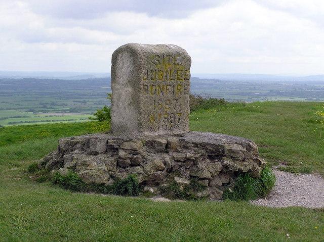 Jubilee bonfire memorial on Brent Knoll - geograph.org.uk - 349537