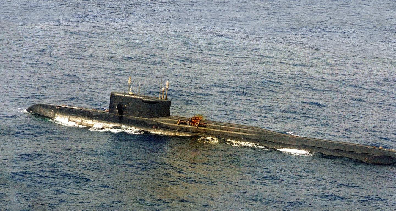 Die beschädigte K-219 an der Oberfläche, 3. Oktober 1986