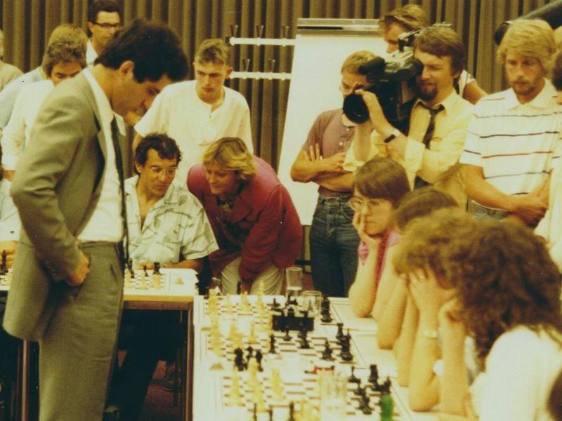 Kasparov Magath 1985 Hamburg