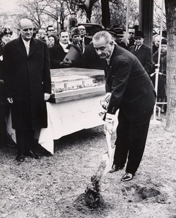 File:LBJ Groundbreaking Kennedy Center.jpg