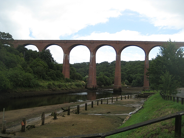 Larpool Viaduct - geograph.org.uk - 1397575