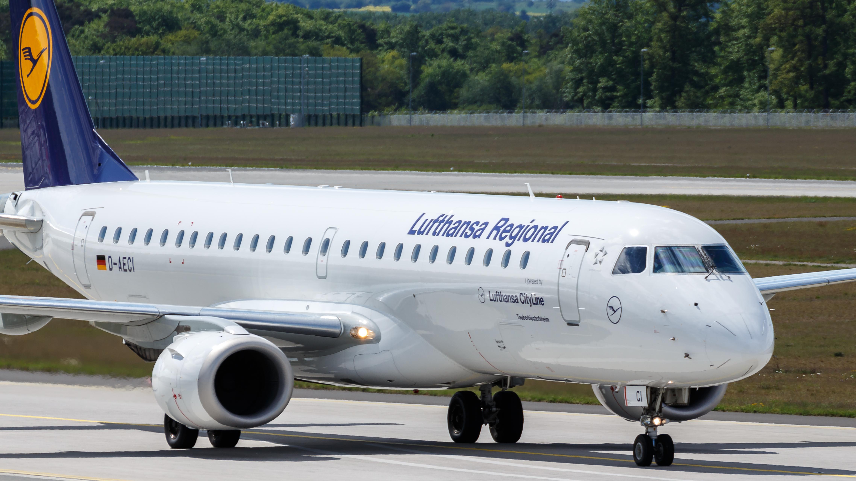 File:Lufthansa CityLine Embraer ERJ-190 (D-AECI) at Frankfurt Airport