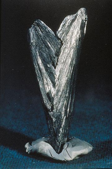 Минералы №68 Дендриты окислов Марганца фото, обсуждение