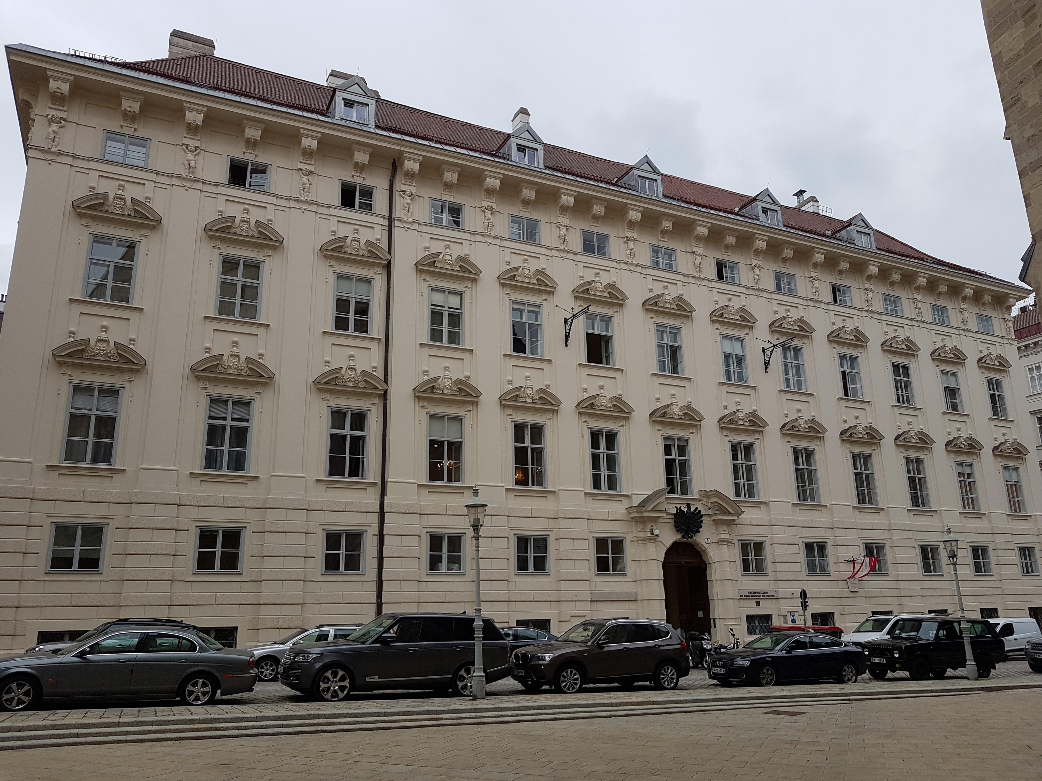Minoritenplatz 5.jpg