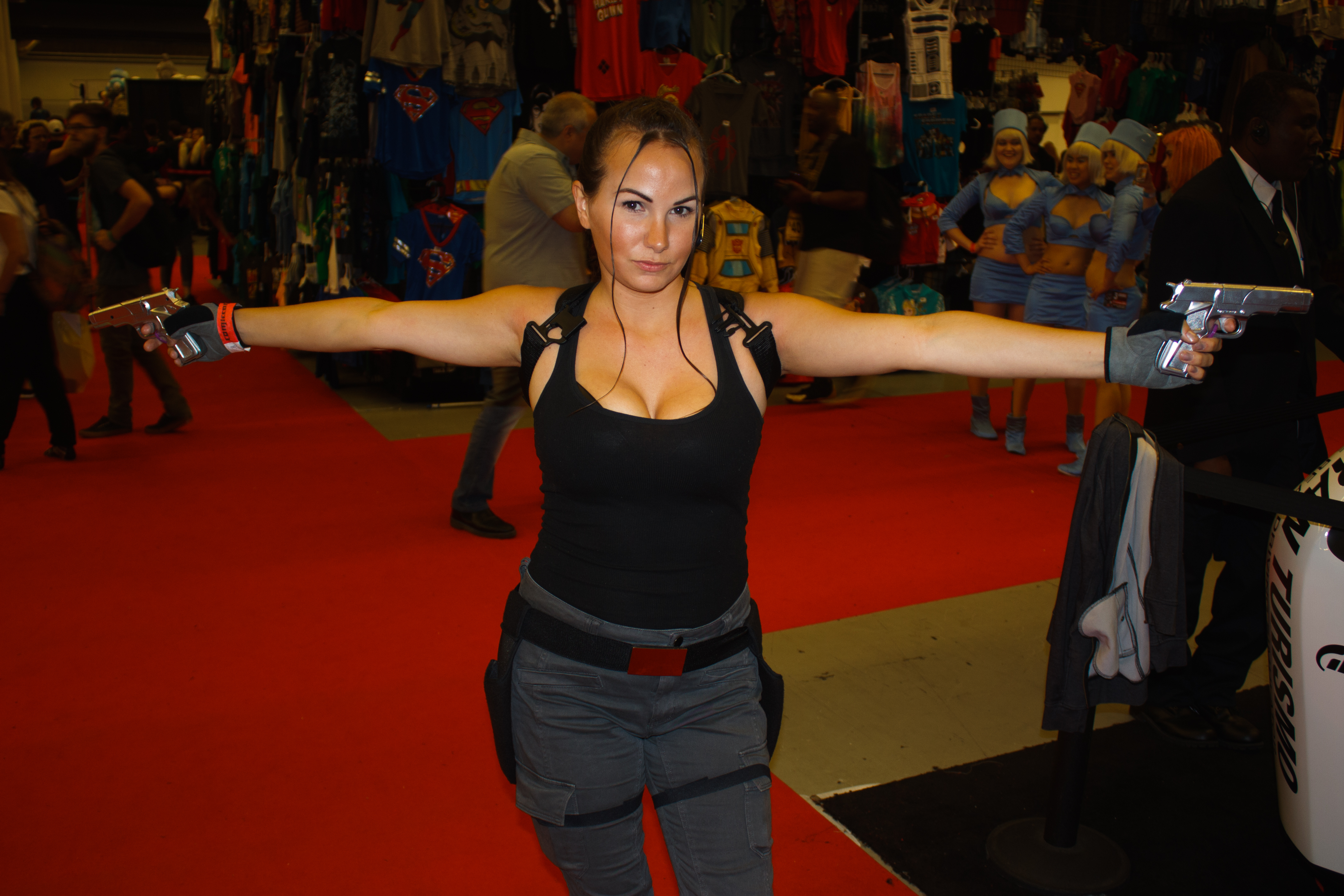 Montreal Comiccon 2016 - Lara Croft (27999690860).jpg Cosplay on Sunday, day three, of the Montreal Comiccon 2016. Date 10 July 2016, 16:50