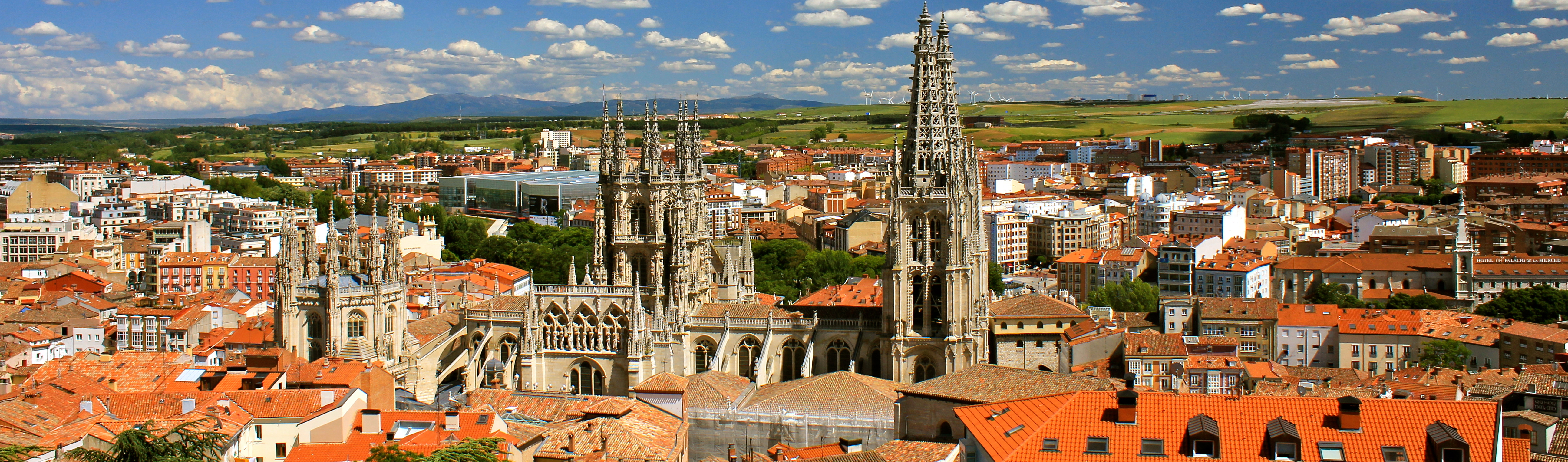 http://upload.wikimedia.org/wikipedia/commons/e/e6/Panoramic_of_Burgos_facing_south-east.jpg