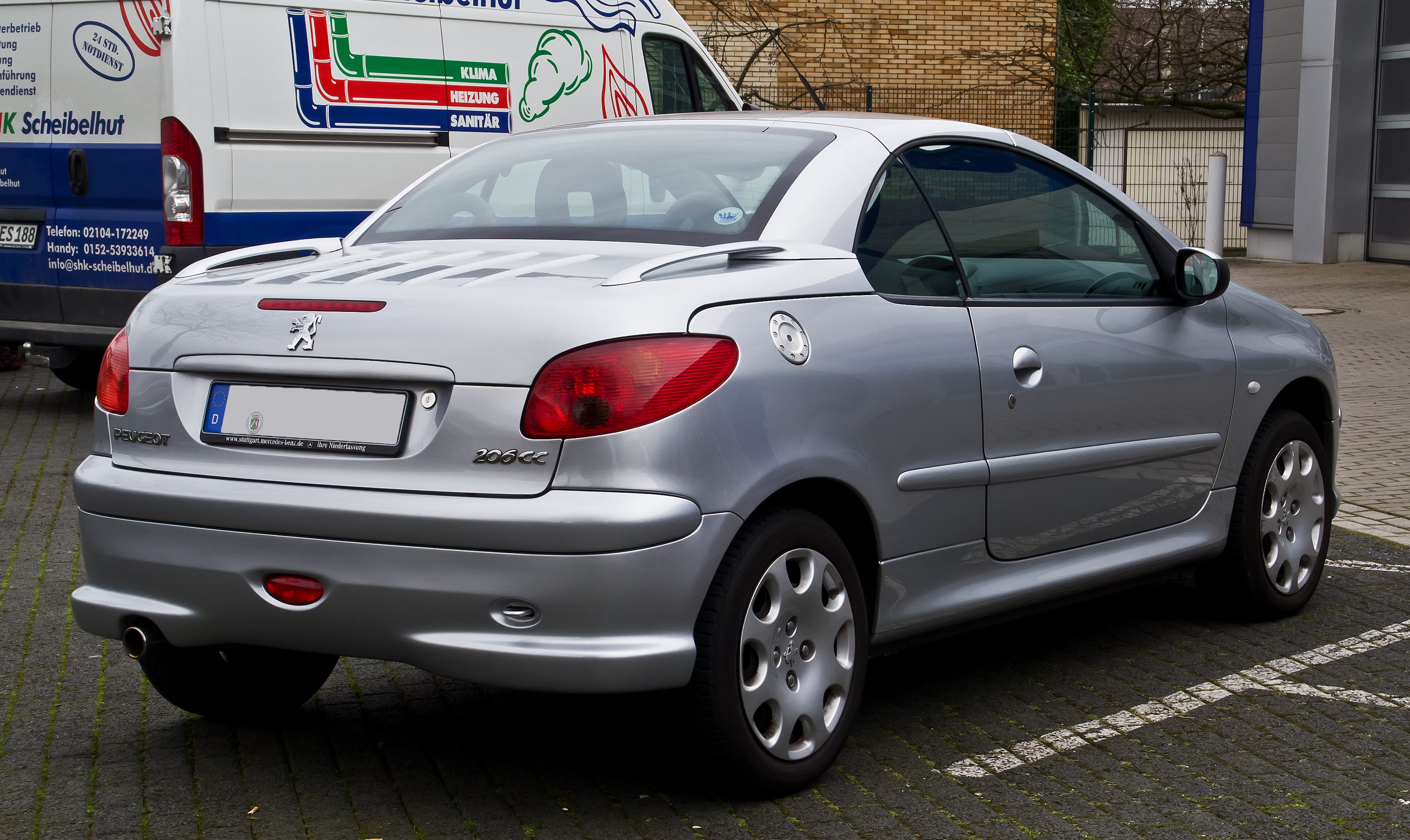 file peugeot 206 cc facelift heckansicht 3 m rz 2014 wikimedia commons. Black Bedroom Furniture Sets. Home Design Ideas