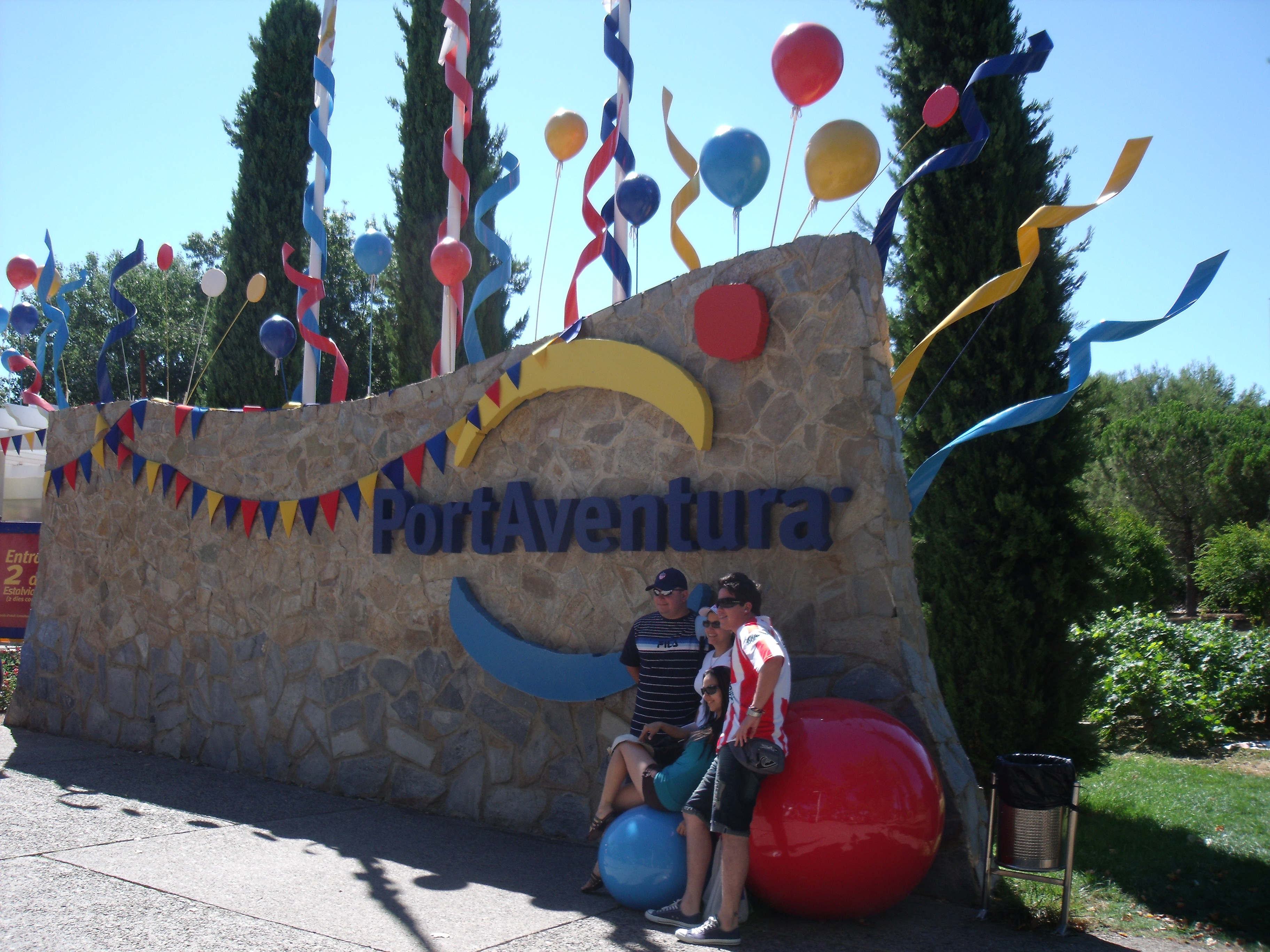 FilePortAventura Entrada JPG Wikimedia Commons - Entree port aventura